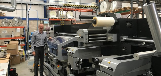 Tape and label machinery